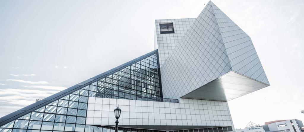 modern mimariye sahip bina